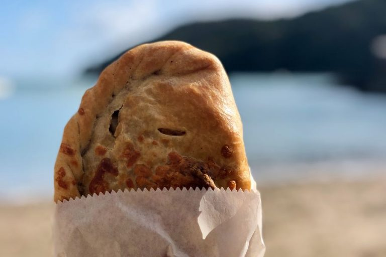 Top 5 Must-Try Cornish Dishes and Treats