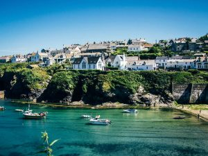 cottages in Cornwall by the sea