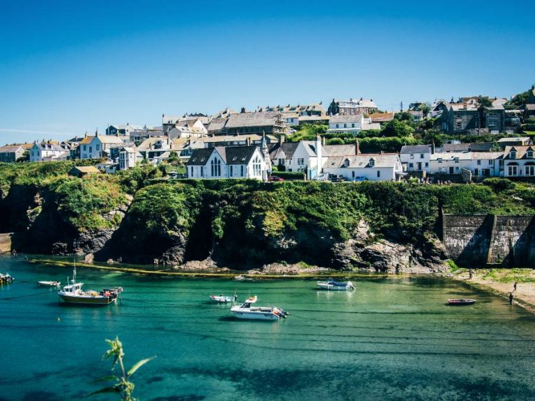 Select Sea View Accommodation in Cornwall